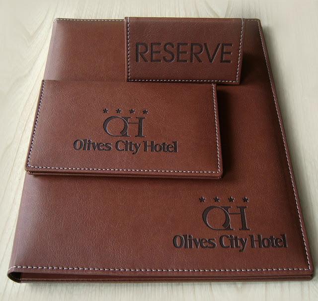 луксозни папки за хотели, луксозни папки за ресторанти, кожени менюта, ресторантски менюта, джобове за менюта, ресторантско меню, менюта за хотелски комплекси, ресторантско, хотелско обзавеждане и оборудване