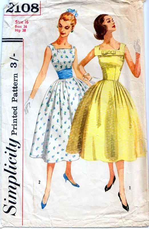 http://www.ebay.it/itm/Vintage-50s-FULL-SKIRT-DRESS-Sewing-Pattern-Bust-36-Sz-12-EVENING-Bouffant-PROM-/112487778516?hash=item1a30cb48d4:g:M1sAAOSwcpJZb6e3