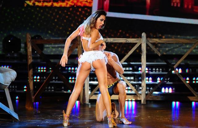 Baile y strip - 2 3