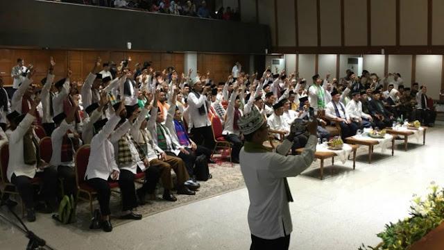 Gubernur Anies Berangkatkan 100 Marbot Masjid se-Jakarta Ibadah Umrah