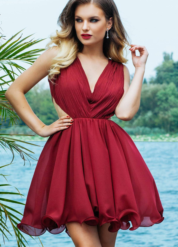 Unde Găseşti Cele Mai Frumoase Rochii Elegante şi Scurte De Vară