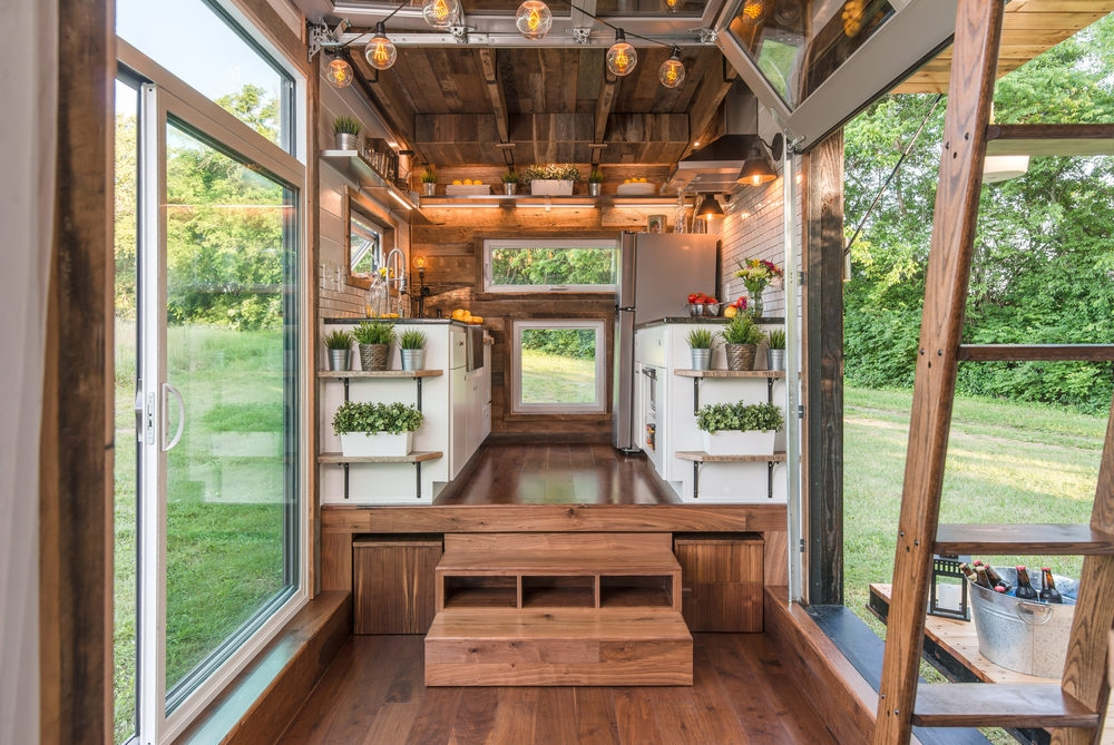 05-New-Frontier-Tiny-Homes-Architecture-with-Tiny-Houses-on-Wheels-www-designstack-co