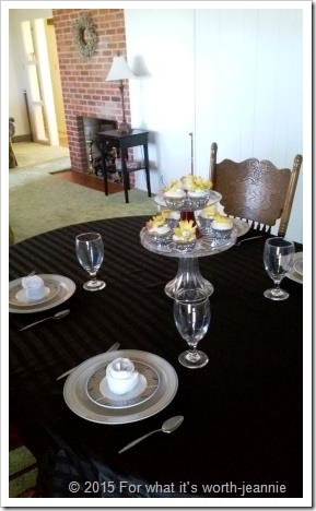 How to plan a luncheon table, recipes, dried pineapple flowers