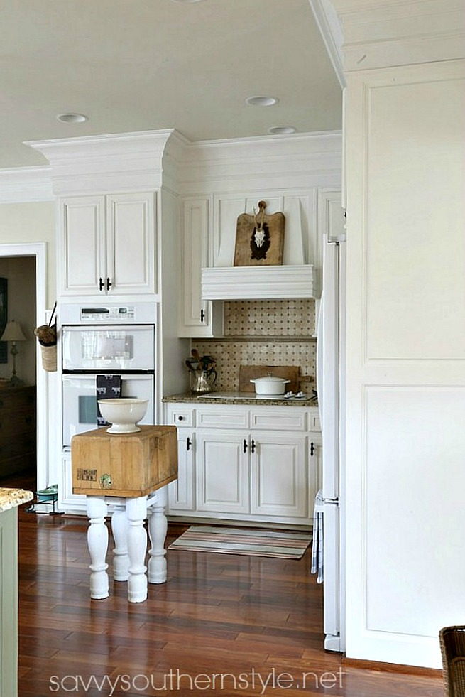 Savvy southern style kitchen details with before and afters for Southern style kitchen ideas