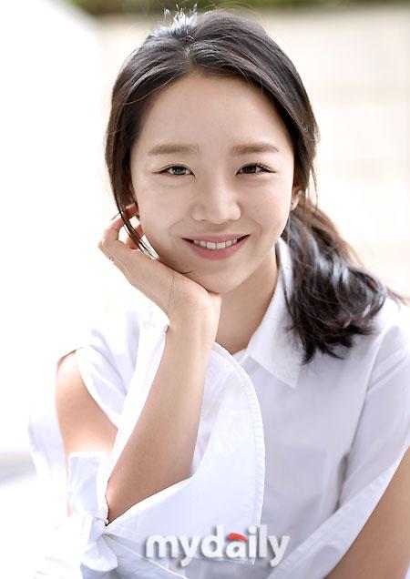Park Si Hoo   A Son of Buyeo: News : Shin Hye Sun finished her