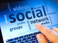 Alasan harus memiliki akun jejaring sosial meski mengandung dampak negatif
