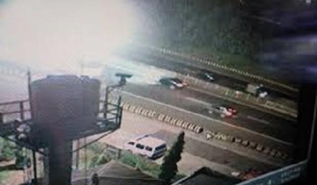 CCTV TKP Pembacokan Pakar ITB Masih Jadul, Kata Polisi : Gambarnya Hitam Putih