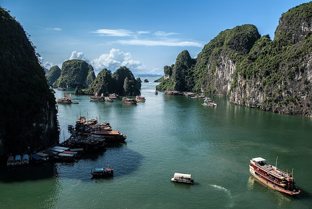 Experience the most attractive tourist on Halong Bay 2