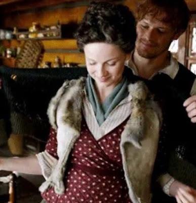 Claire y Jamie en un fotograma de la cuarta temporada de Outlander