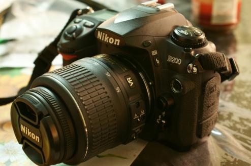 Spesifikasi dan Harga Kamera Nikon D200 Tebaru