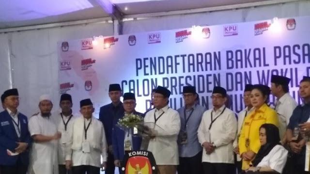 Prabowo Diledek Pendukungnya Saat Sebut Partai Berkarya dan Titiek Soeharto