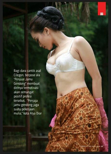 Foto seksi Alya Dior tanpa baju