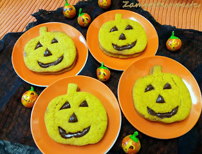 Biscotti Halloween con pasta frolla alla zucca