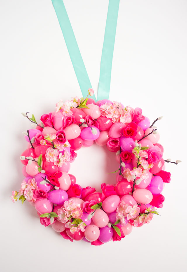 DIY floral ombre Easter egg wreath - plastic eggs and artificial ...