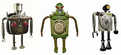 tres robots retro hechos con material reciclado-parte de aparatos viejos