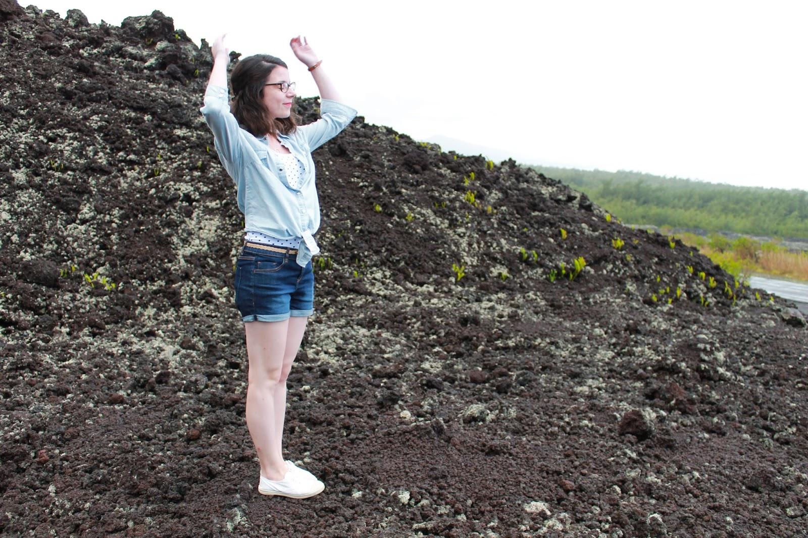 gotoreunion ile de la réunion voyage travel blog trip road trip océan indien visite à faire vacances holidays que faire sud sauvage reunion island les gommettes de melo gomette route des laves volcan coulée ootd kiabi