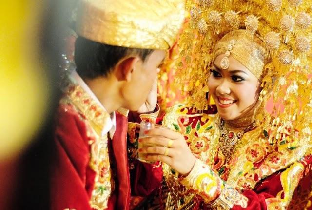 Hukum Jika Adik Menikah Mendahului Kakak Dalam Adat Minangkabau