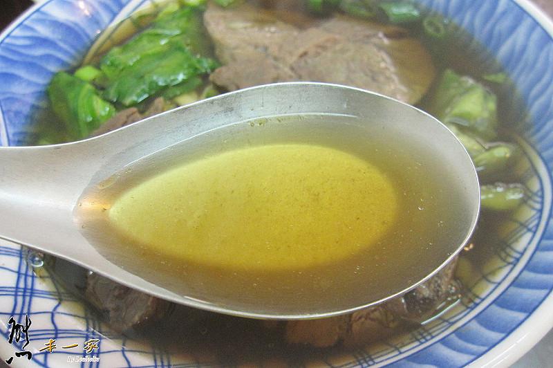 台北大學國光傳統小吃店|牛肉麵可續湯