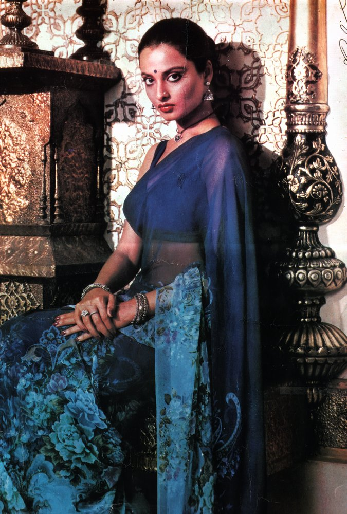 Rekha: Rekha in Traditional Indian Clothes