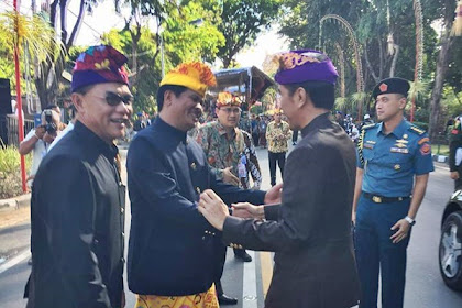 Pakaian Pak Jokowi Saat Pembukaan PKB dikritisi Netizen
