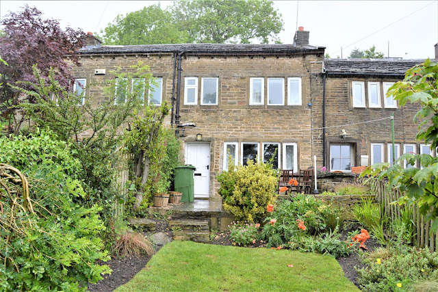 This Is Huddersfield Property - 3 bed terraced house for sale Longwood Gate, Longwood, Huddersfield HD3