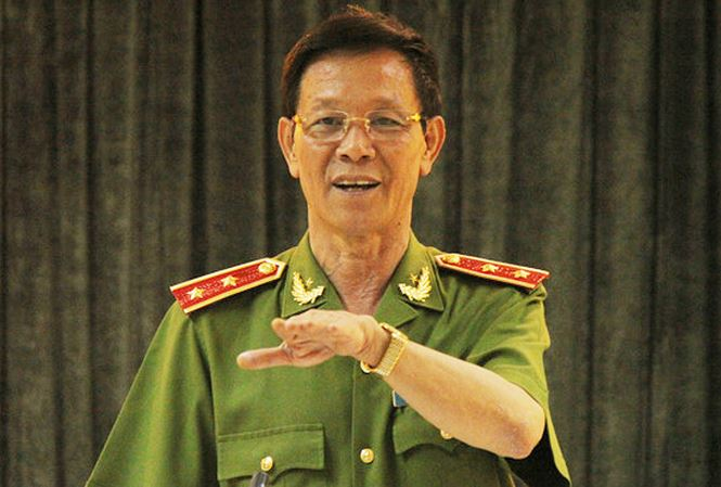 Theo nguồn tin riêng của Tiền Phong, trong những lần làm việc với cơ quan  điều tra, cựu Trung tướng Phan Văn Vĩnh đã thừa nhận có những sai trái liên  quan ...
