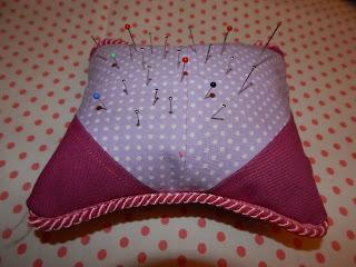 Patchworkowa poduszeczka na szpilki
