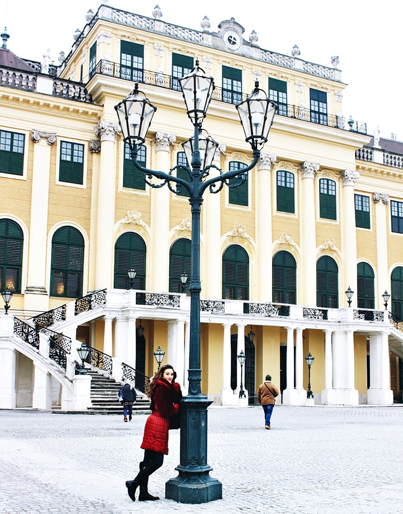 Schönbrunn palace Vienna sightseeing tour.Šenbrun palata Bec tura razgledanja.