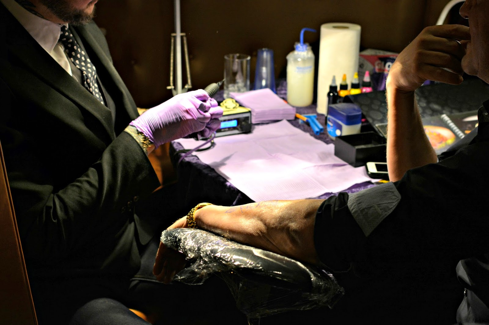 Live tattooist at Sanctum Soho Guirado Design event