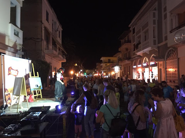 """Εμπορικός Σύλλογος Ναυπλίου: Η λάμψη της """"Λευκής Νύχτας"""" φώτισε την πόλη μας και την αγορά της"""