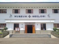 Wisata Edukasi Kebumian di Museum Geologi Bandung