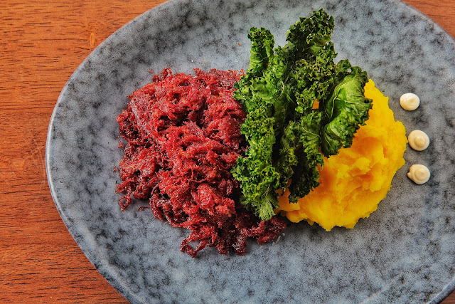 Wagyu corned beef with turmeric mashed potatoes, fried kale and aioli wasabi