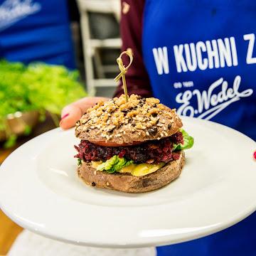 Burgery z buraka i warsztaty kulinarne E. Wedel - Czytaj więcej »