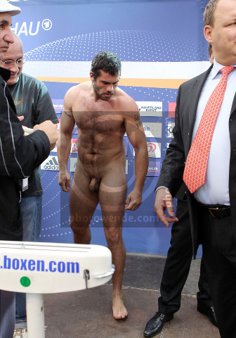 Naked boxers weigh in