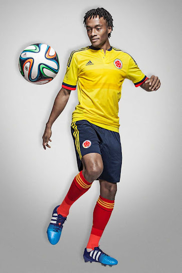 c77201cab While the Colombia 2014 World Cup Home Kit featured a dynamic lines design