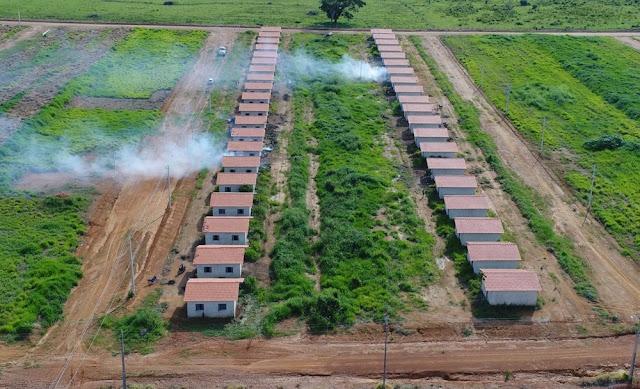 Casas populares em construção são invadidas em Monte Negro