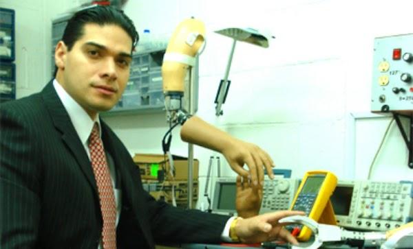 Inventor mexicano crea brazo biónico de bajo costo y es ignorado por el gobierno