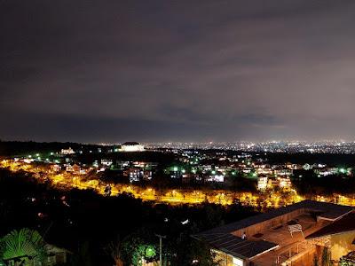 Kota Bandung saat Malam Hari