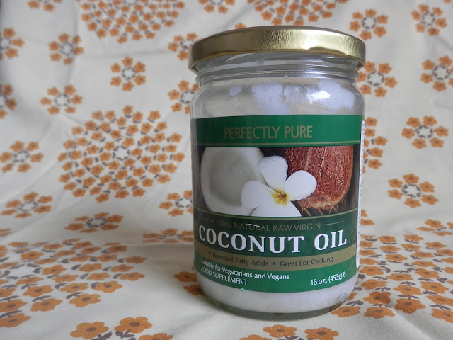 15 ways I use coconut oil instead of conventional beauty products. From UK #eco-friendly blogger secondhandsusie.blogspot.com #coconutoil #plasticfree #ecofriendlyblog