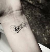 tatuaje de musica mini