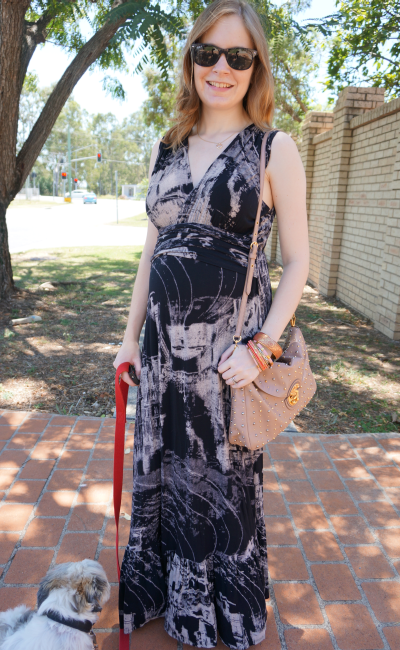 black and white print maxi dress for second trimester baby bump