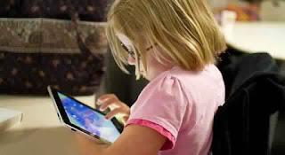 """Éloigner les jeunes enfants des tablettes, """"un enjeu de santé publique"""""""