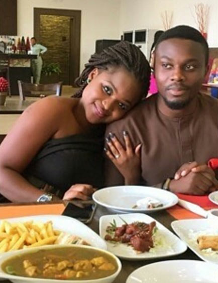 Aww! Guy proposes to girlfriend while she was complaining of his absence