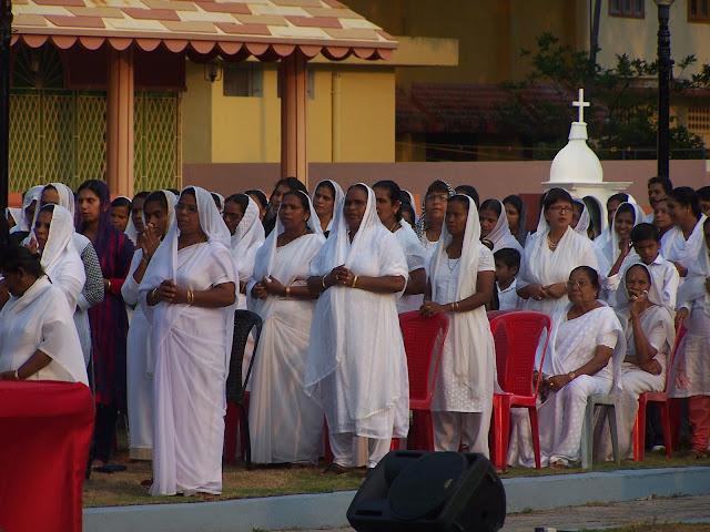Messe en plein air pour Pâques à Vypeen