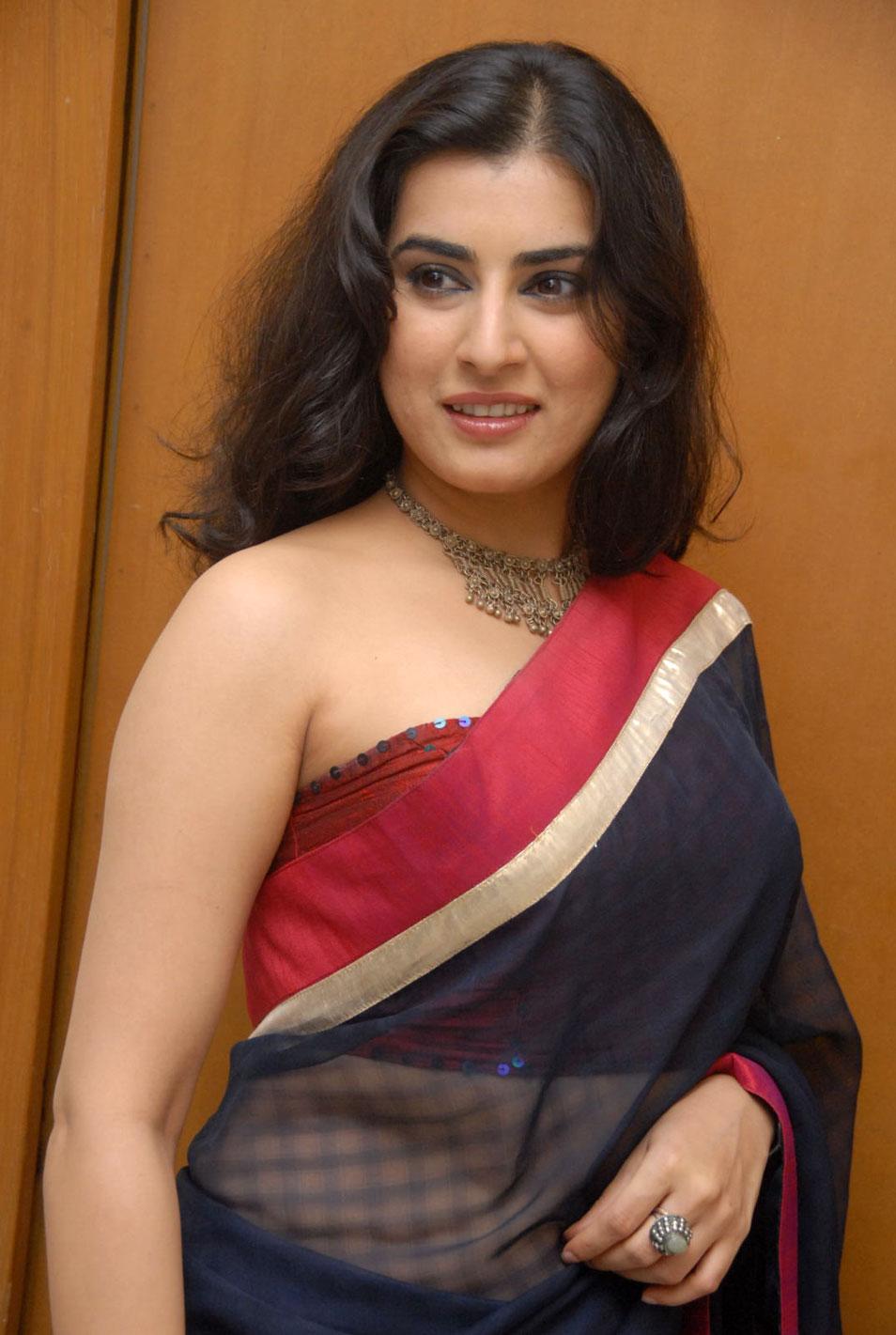 Transparent Saree: INDIAN ACTRESS: Veda Archana Sastry Black Transparent