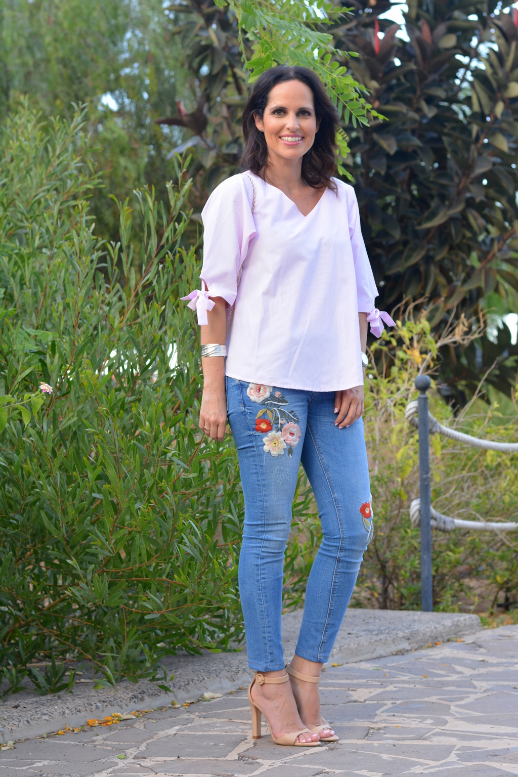 zara-outfit-embroidered-jeans-daily-looks