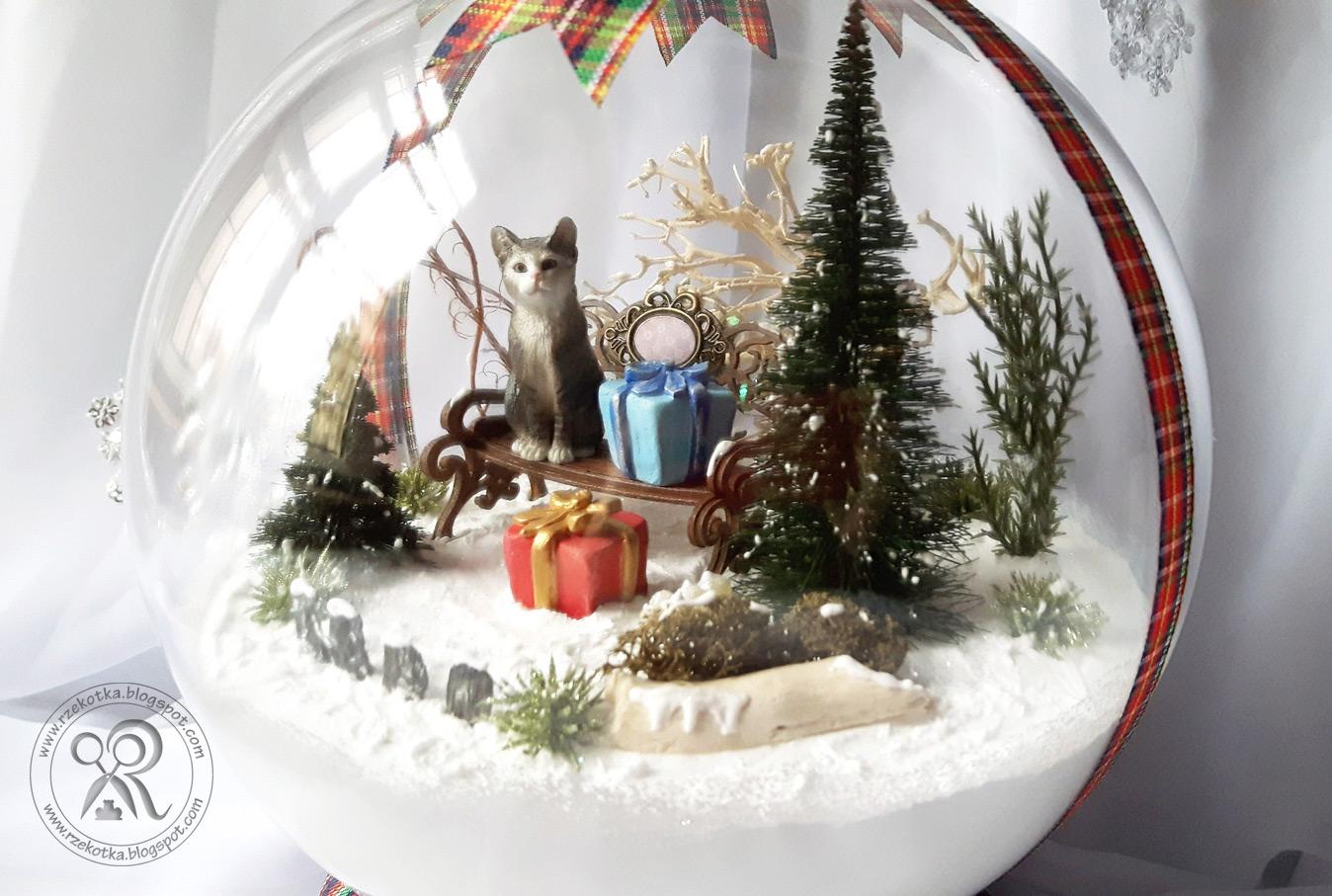Świąteczny prezent - kocia bombka