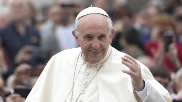 Papa Francisco habla con jóvenes mexicanos afectados por sismos