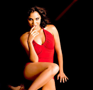 Lara Dutta Latest Wallpapers