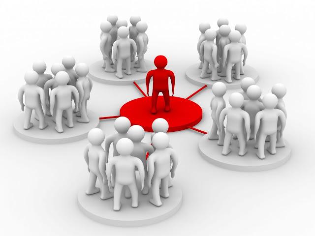"""ازاى تبني شبكة علاقات """"Network"""" قوية مع الناس الناجحة في مجالك ؟"""